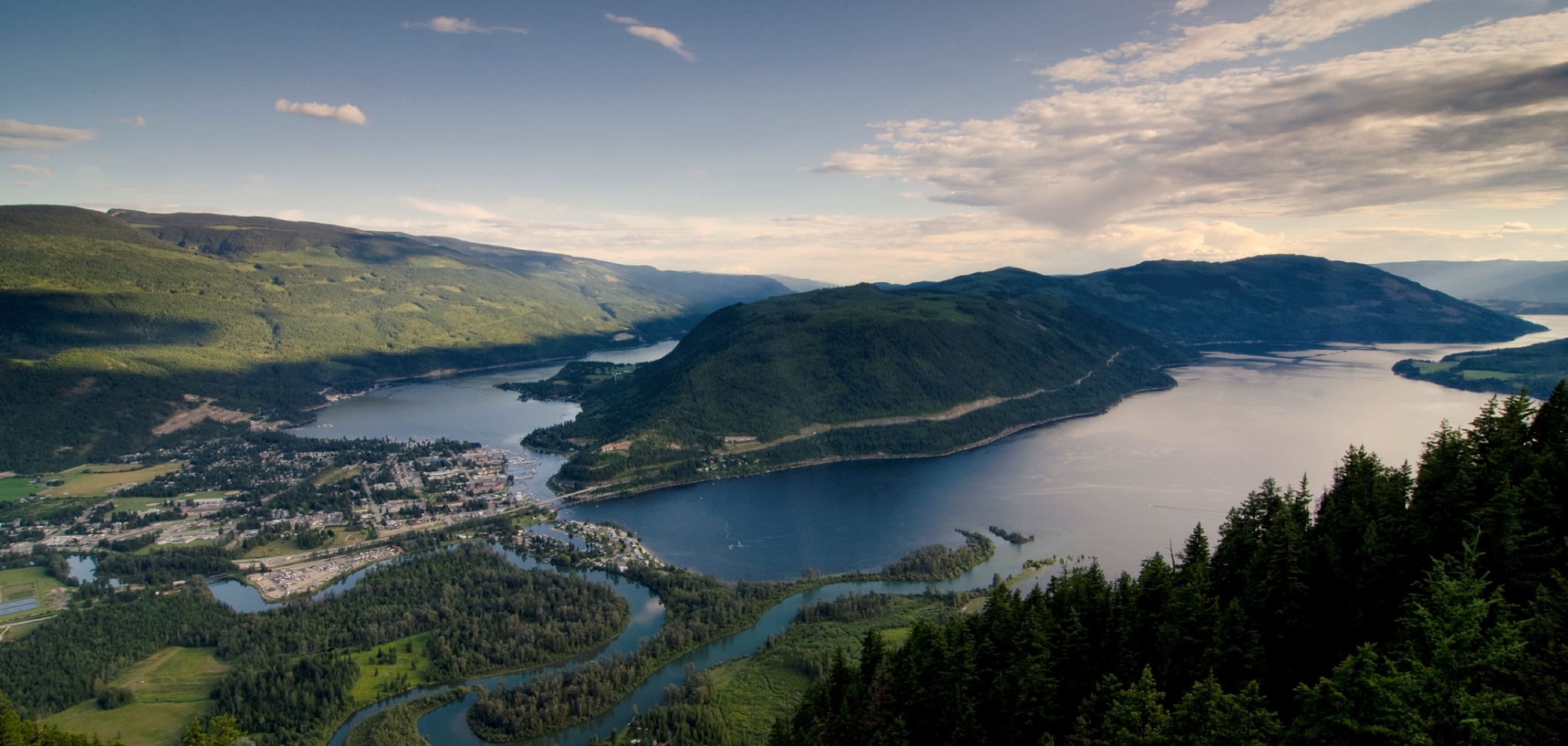 Sicamous, set along Shuswap and Mara lakes
